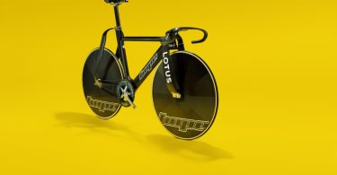 """""""The advantage we bring to bike design is we're not bike designers"""" – Lotus Engineering launches new film about the Hope Lotus track bike"""